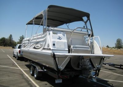 2011 JC 266 TRITOON *LOADED WITH FACOTRY UPGRADES! 5.7L 300HP I/O