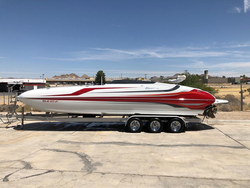 2014 Hallett 285 Deck Boat *Mercury Racing 525* Over 20K in factory upgrades