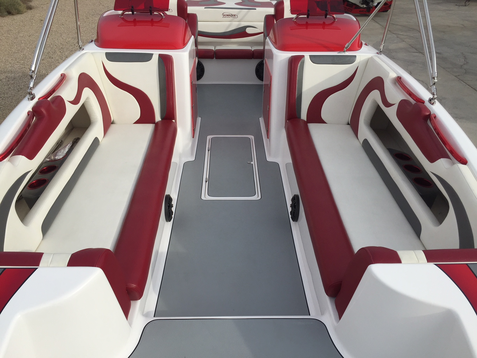 2016 Domn8er Deck Boat 40 Hours 600 Hp With Scx Drive