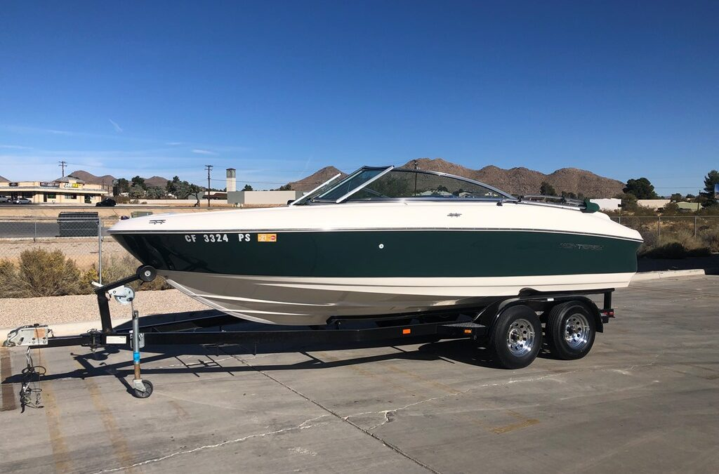 2000 Monterey 200 Edge Bow Rider (Super Clean and very low hours)